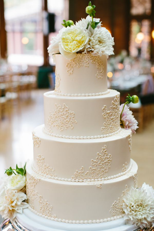 Find Vendors Real Weddings Photo Galleries Inspiration Boards Floral Simple Wedding Cake Round Wedding Cakes Wedding Cake Fresh Flowers