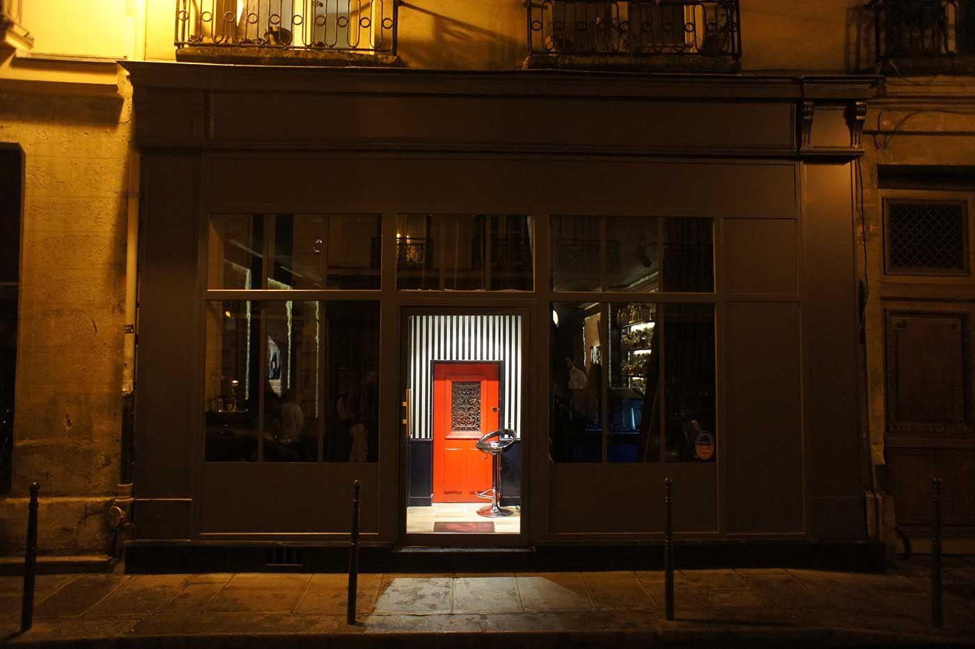 A Cute Little Cocktail Bar In Paris For Our European Adventure