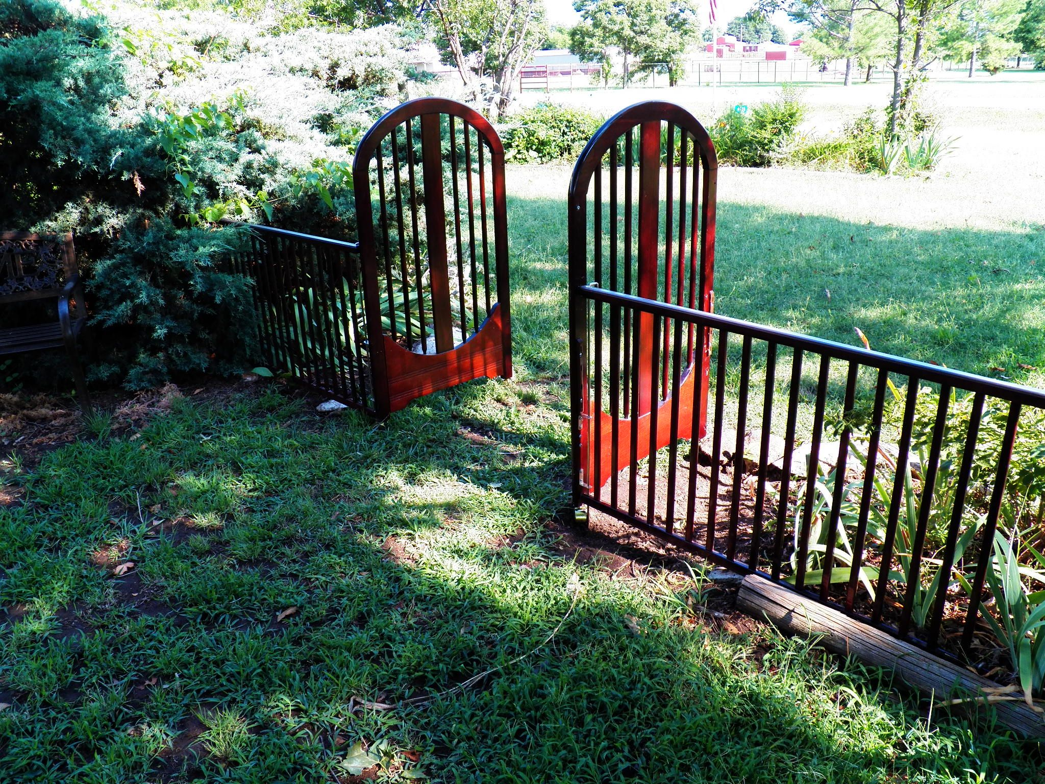Baby bed gates - A Drop Side Baby Crib I Repurposed For My Garden