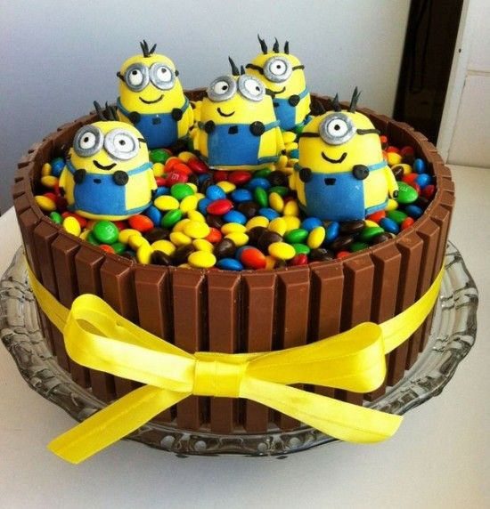 Minion Kit Kat Cake Recipe Easy Video Instructions Kit kat cakes