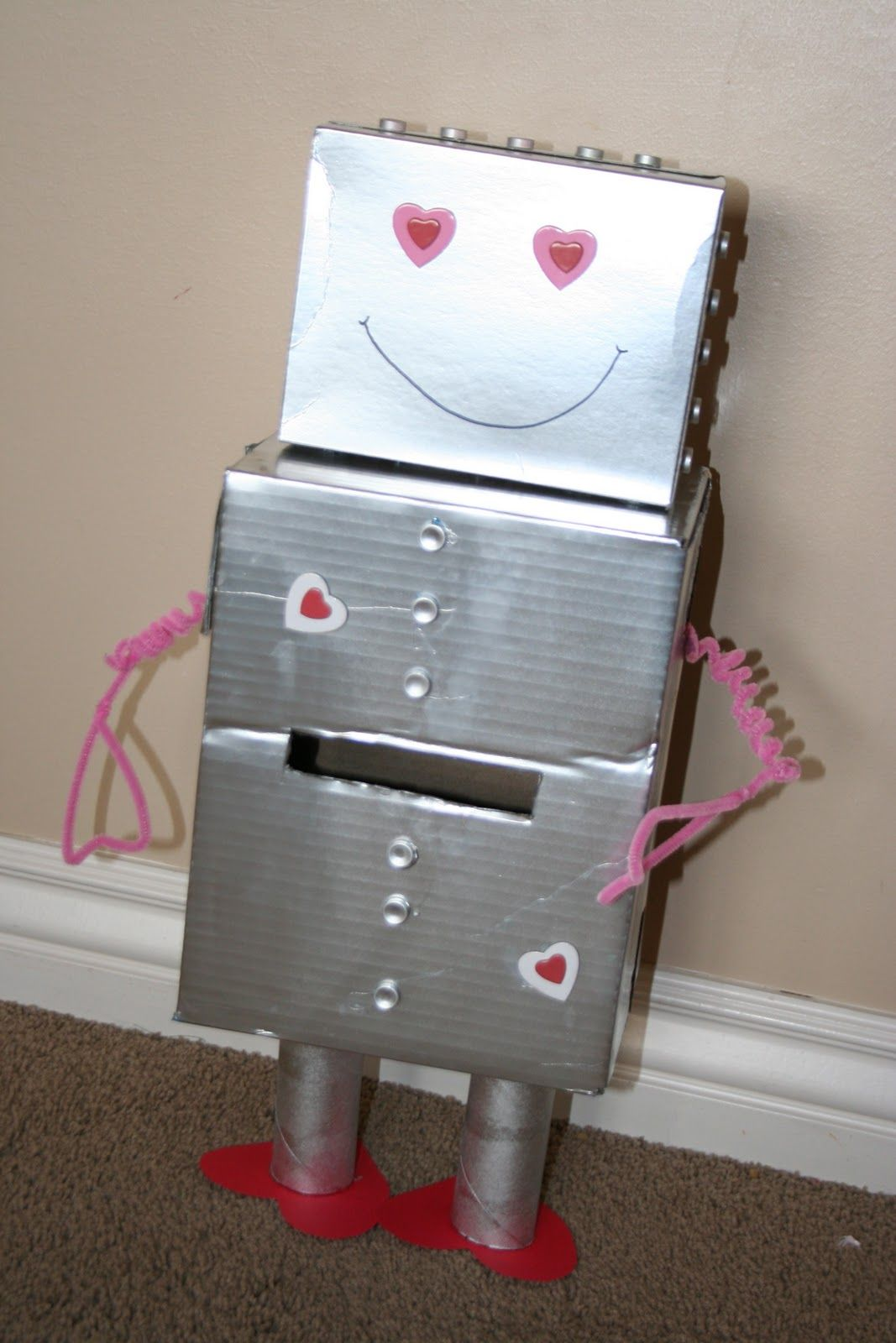 Mommy Lessons 101: Creative Valentine Box Idea #3   Robot