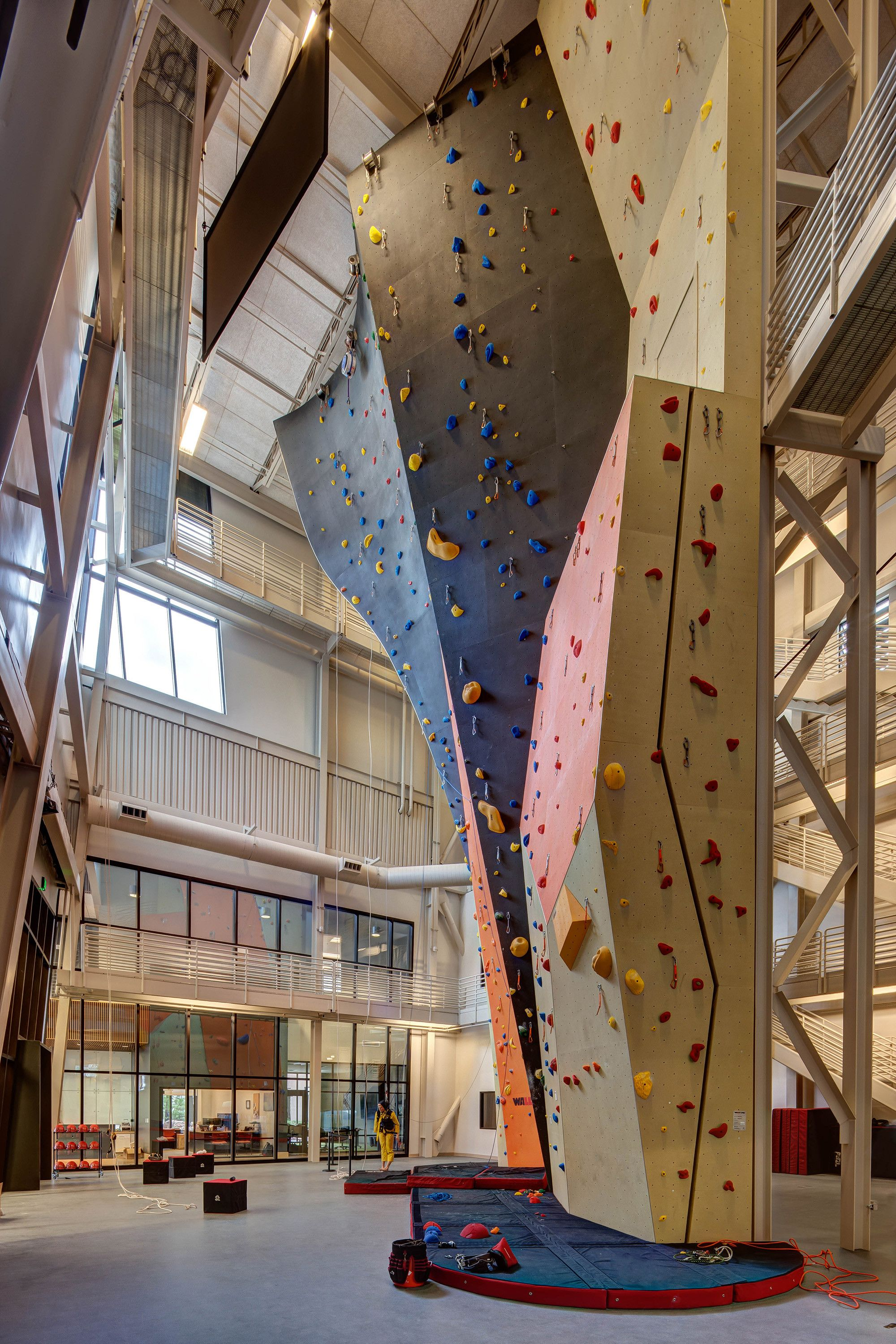 Gallery Of Petzl North America Headquarters And Distribution Center Ajc Architects 5 Rock Climbing Gym Rock Climbing Wall Bouldering Wall