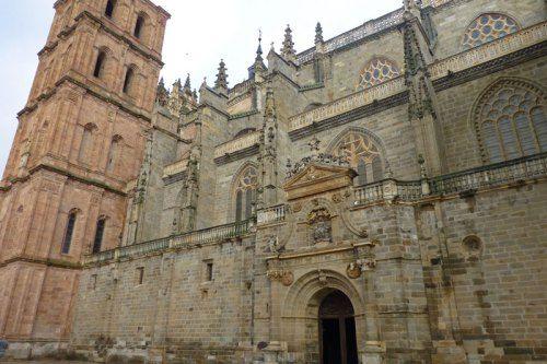 Fachada sur de la Catedral de Astorga