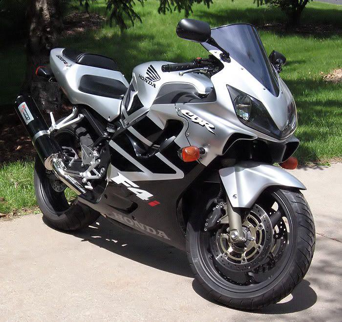Honda Cbr 600 F4i Silver Black Honda Cbr600 Cbr600f4i Motorcycle