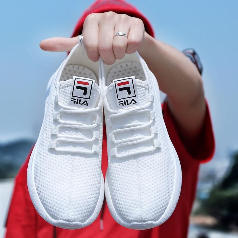 23a8a644ebef2 Light Weight Cheap Men Sport Shoes White Lace Up Low-Cut Flyweather Men  Shoes 2019 New Classic Trainers Comfort Running Shoes