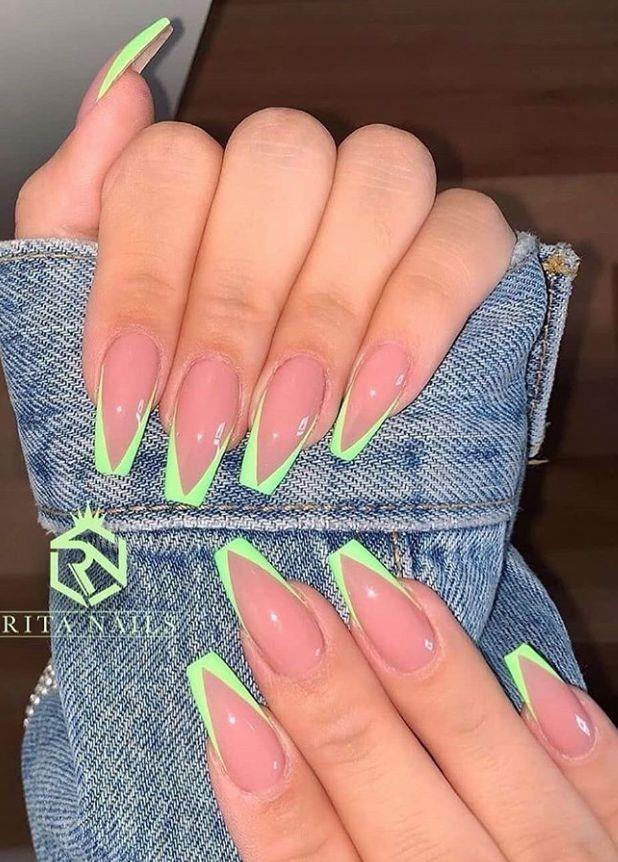 Via Pinterest Green Nails Art Girl Polish Cute Makeup January 23 2020 At In 2020 Long Square Acrylic Nails Square Acrylic Nails Acrylic Nail Designs Coffin