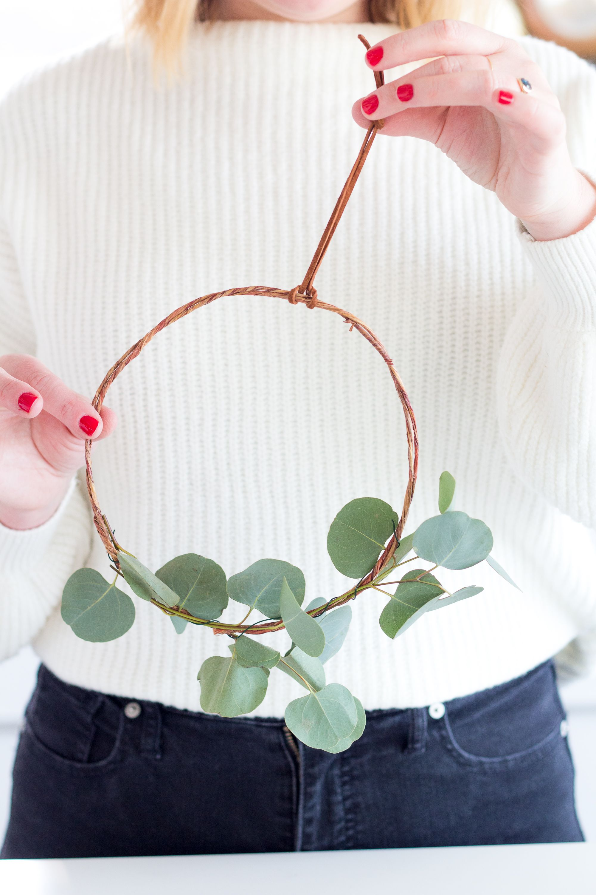 DIY Eucalyptus Wreath in 2020 (With images) Diy crafts