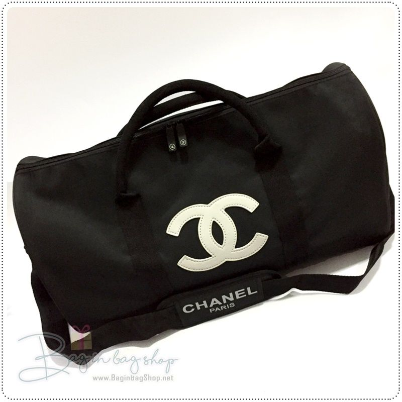 2f8751f0da4a CHANEL Beaute VIP Gift Traveling Bag / Fitness Bag / Shoulder Bag / Cross  Bag #chanel #brandname #chanelvipgift #chanelbeaute #brandname #cocochanel  #black ...