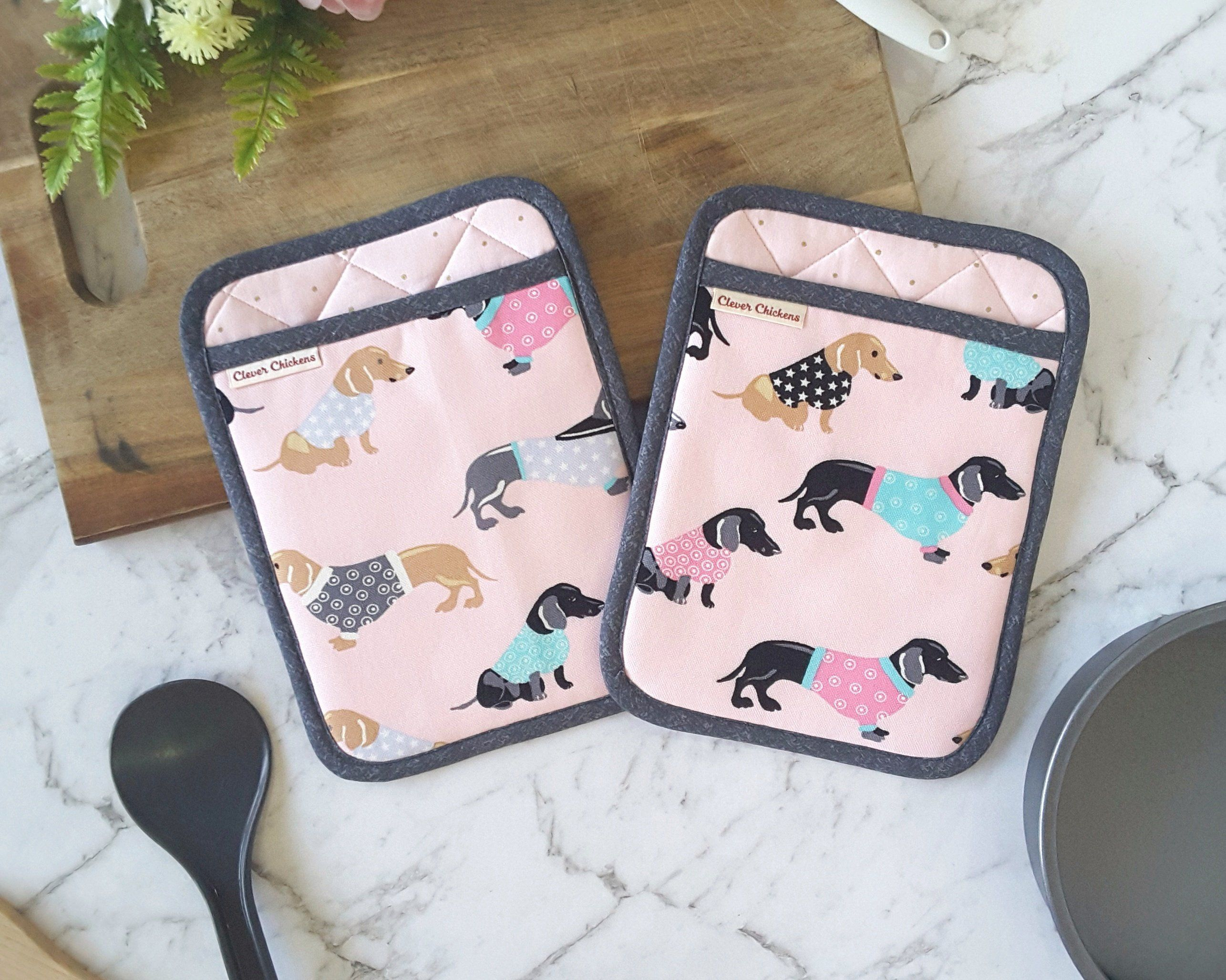 Dachshund Gifts Pink Oven Gloves Dachshund Decor Sausage Dog Cooking Gifts Dachshund Oven Mitt and Hot Pad Set Wiener Dog