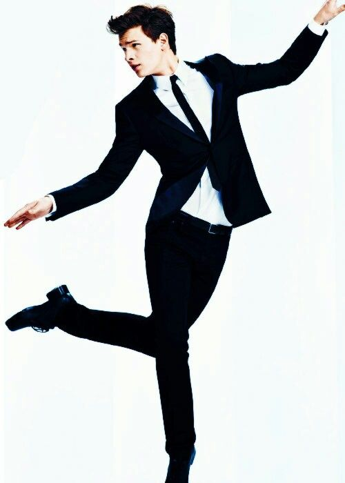 Ansel Elgort. A tuxedo. And a pair of tap shoes. There is nothing more perfect. WE SHARE A PASSION