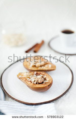 pear with honey and nuts