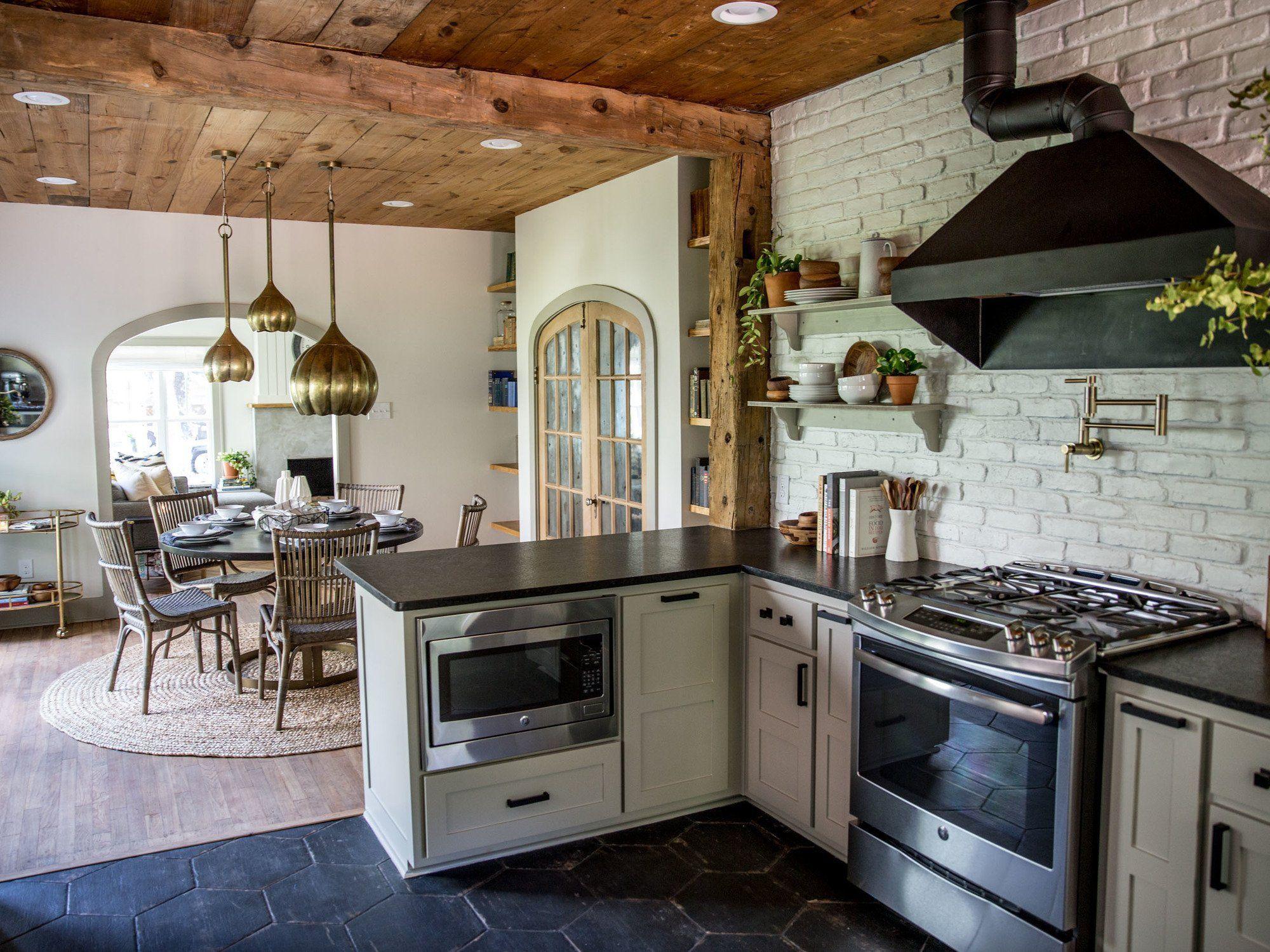 Chip And Joanna Gaines Fixer Upper Kitchen Episode 15 The Giraffe House Progetti Kitchen