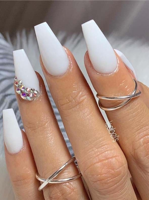 Cutest White Nail Arts Images For Girls In Year 2019 Primemod White Nail Art White Nail Designs Cute Summer Nails