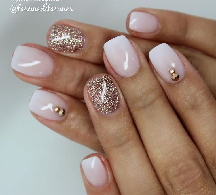 white and gold nails pinterest