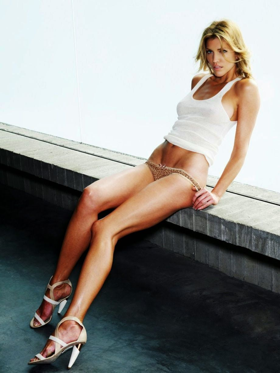 Victoria's Secret Models: Tricia Helfer, Out-of-this-World ...