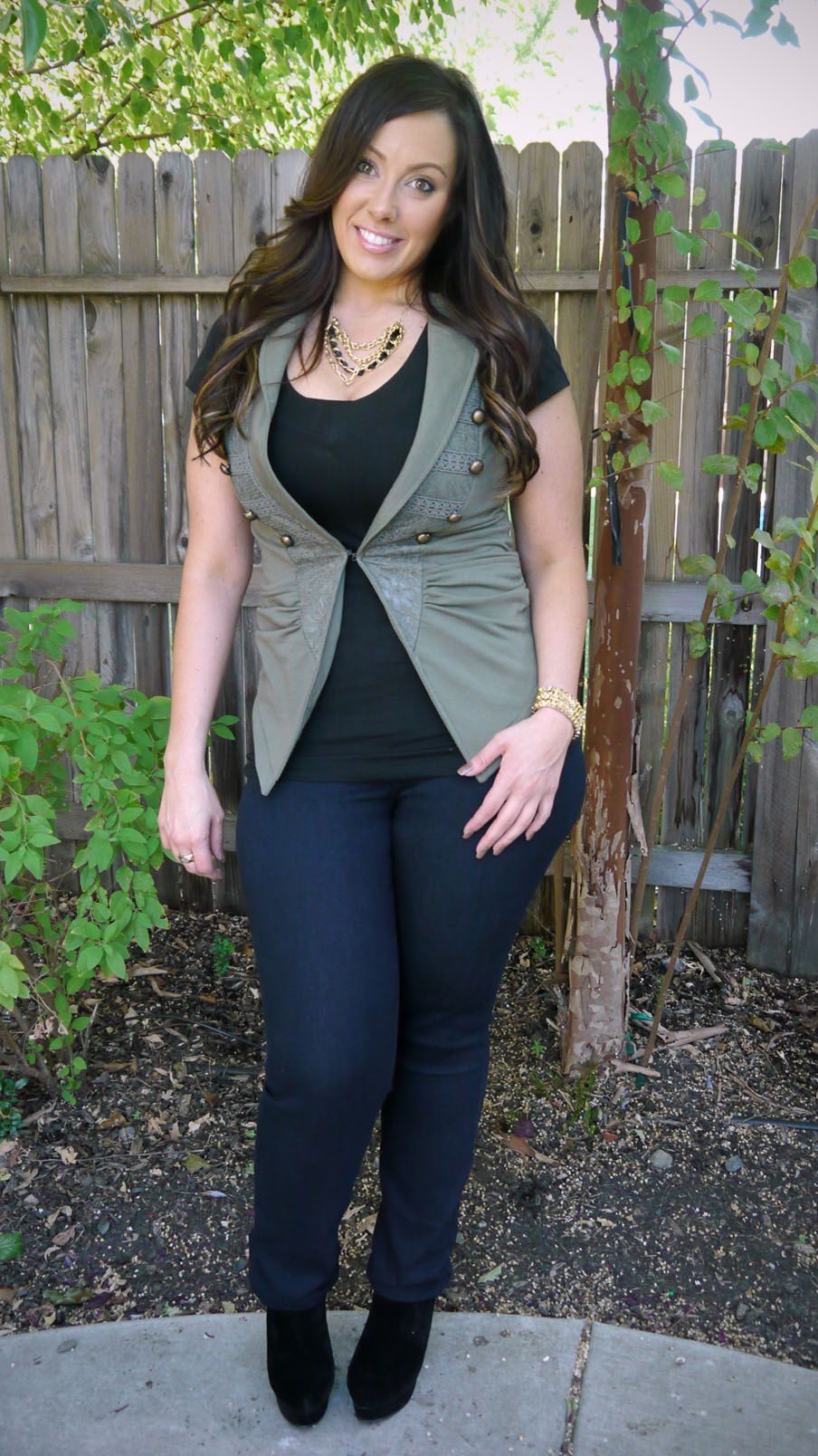 green vest and skinny jeans | fashion & style tips | pinterest