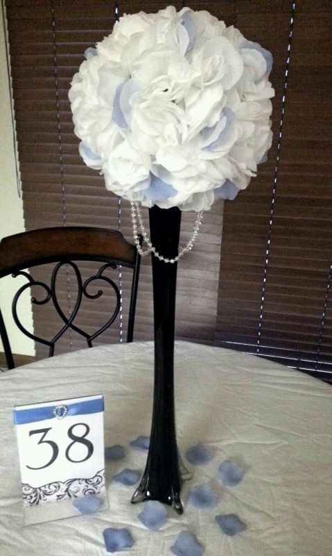 Table decor any ideas wedding black blue bouquet
