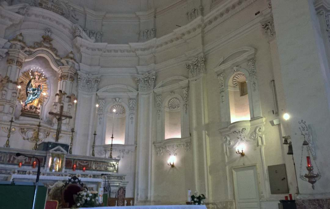 interno della chiesadelsantissimosalvatore church