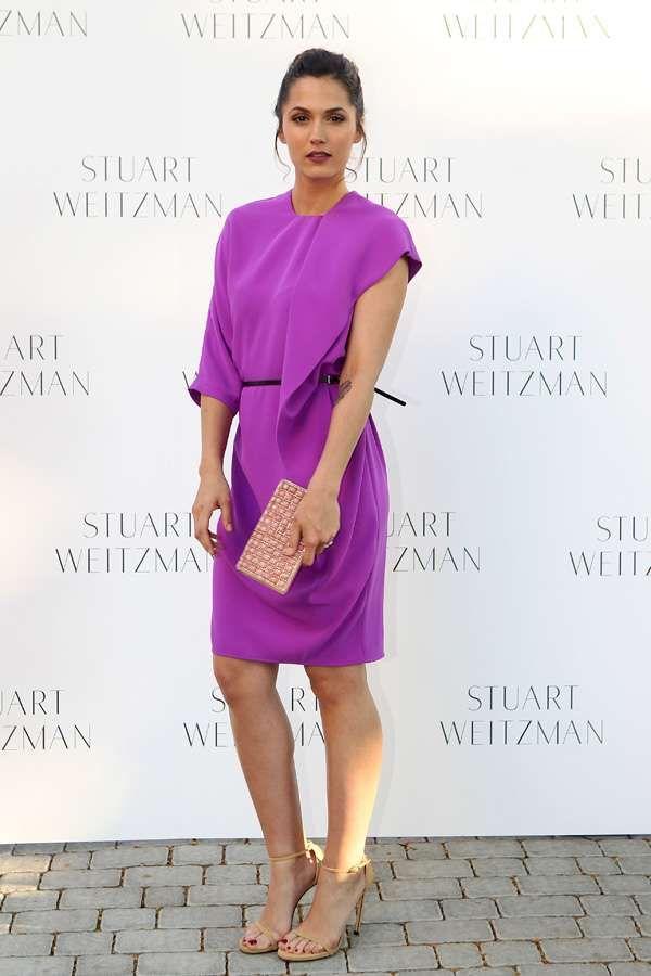 Con un vestido color púrpura, Michelle deslumbró en la fiesta en ...
