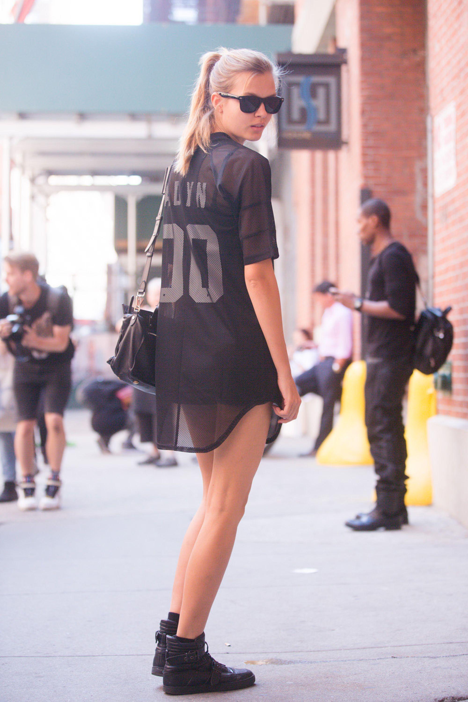 19 stylish ways to wear a sports jersey   street styles, street