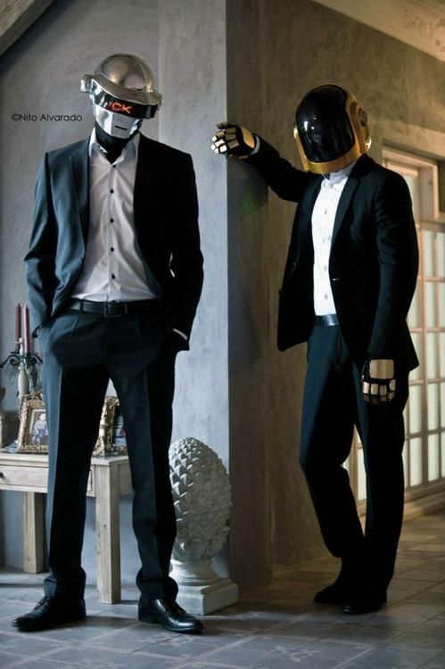 Fucking AWESOME Daft Punk cosplay.