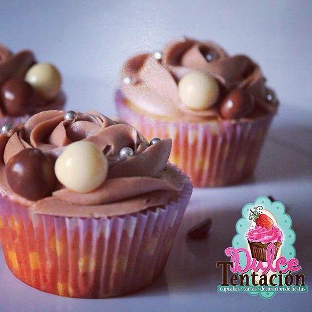 Cupcakes de vainilla con nutella