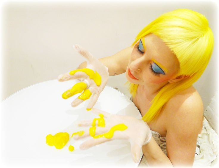manicpanic #sunshine #yellowhair #dyedhairdontcare MANIC PANIC - xxl möbel küchen