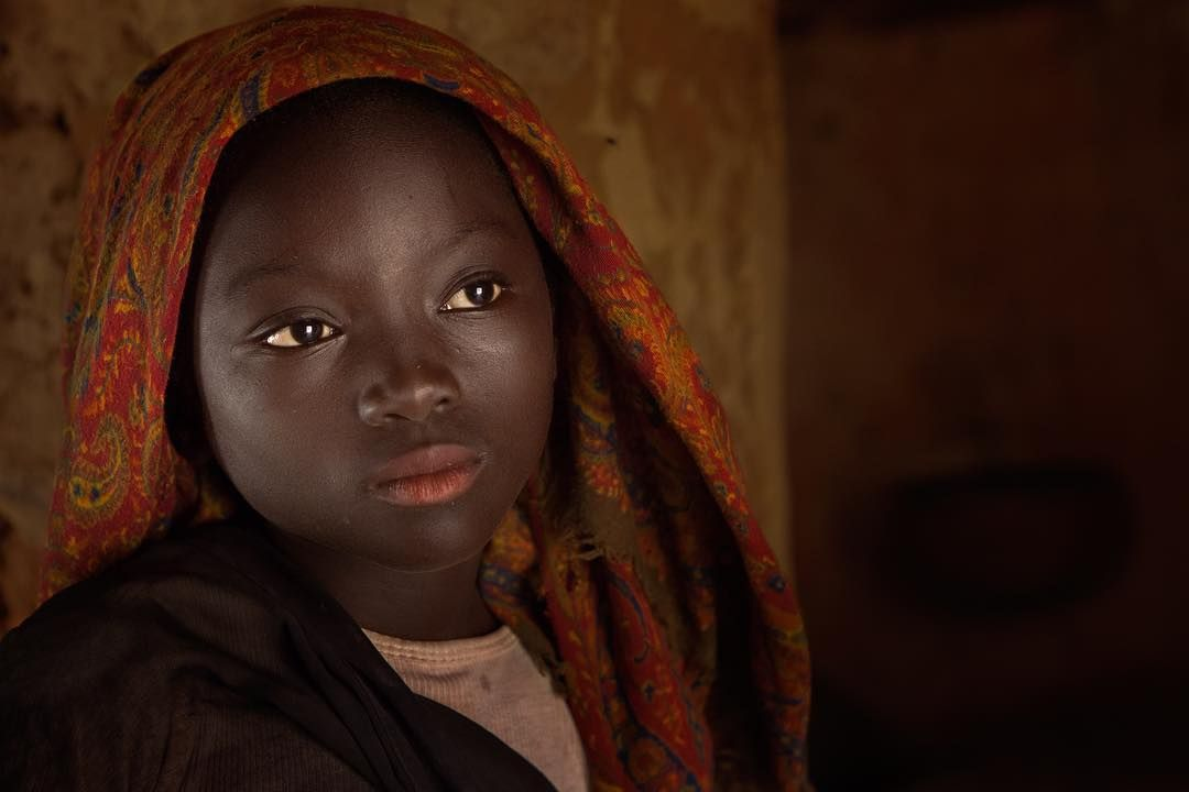 941 Me Gusta 55 Comentarios هشام الحميد Hesh4m En Instagram Quot Fatimah Dogon Country Mali فاطمة طفلة سمراء جميلة التقيتها في قرى دوغون Comentarios