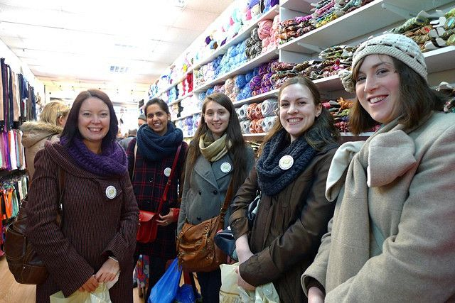 Tilly and the Buttons: Walthamstow Fabric-Shopping-Blogger-Meet-Up Frenzy...