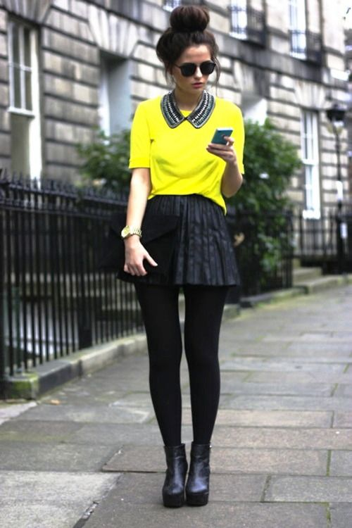 trend-inspiration-street-style-London-yellow-blouse-peter-pan-necklace