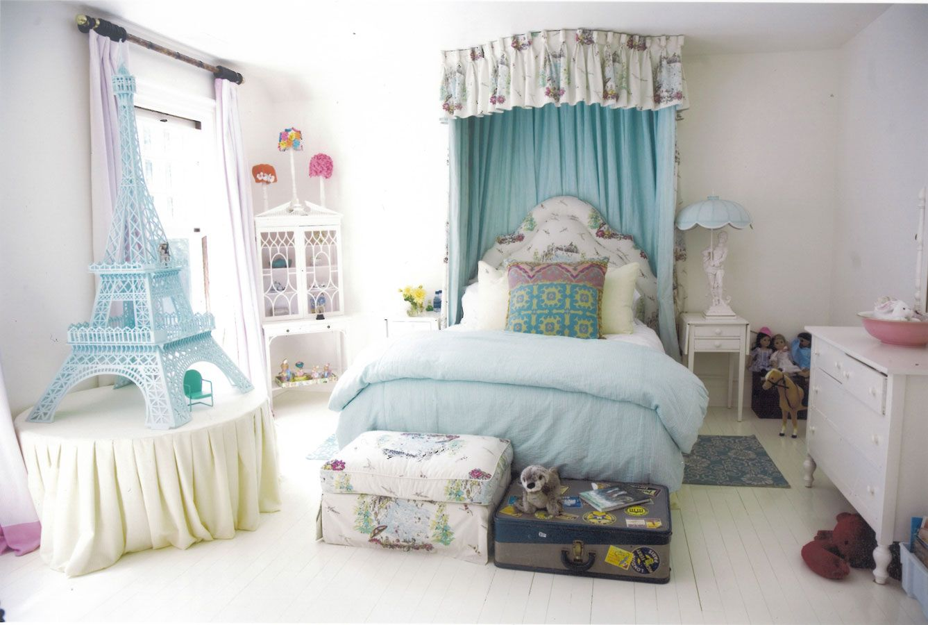 A perfectly pastel room for a future world traveler.