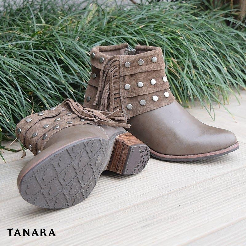 bbc27af81 Status: em um relacionamento sério com as botas Tanara. Franjas nos  conquistam! Ref. T0307
