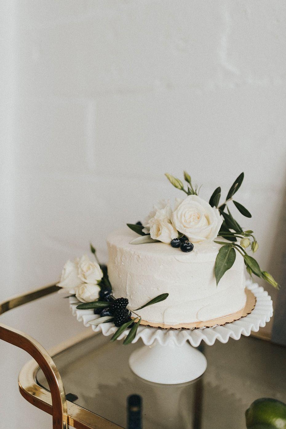 An Organic Modern Winter Wedding + Wedding Planner Wedding Advice