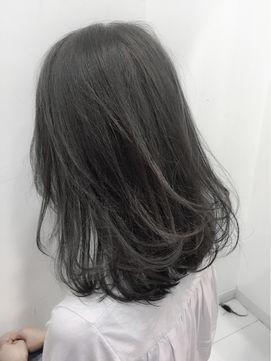ダークグレイッシュ 7トーン 髪色 暗め 髪 色 ヘアスタイリング