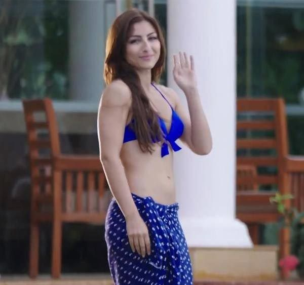 khan picture Sex Soha ali club hot