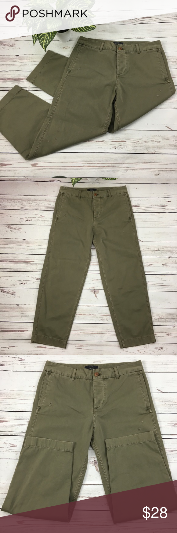 9a23d30284e53 J.CREW Broken-in Boyfriend CHINO Pants in Olive 8P J.CREW Petite Broken-in CHINO  Pants in Olive - Intentionally distressed throughout. Size 8 PETITE Chinos  ...