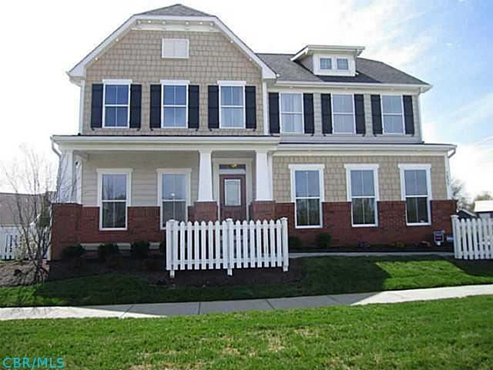 Exterior Paint Colors That Go With Red Brick Traditional Exterior - Brick home exterior color schemes