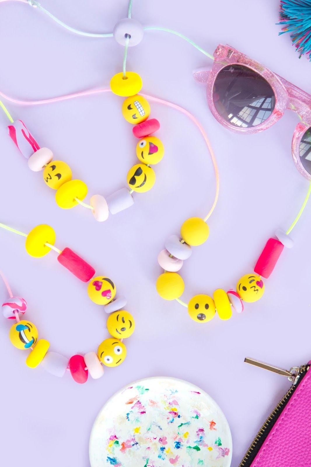 Diy emoji beaded necklace homemade u diy pinterest emoji