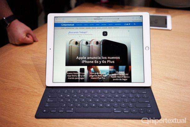 """""""Apple ha mostrado que es posible vivir en un mundo post-PC"""" ¿PC...Laptop...o Ipad con teclado? En esta reseña el autor nos cuenta todas las posibilidades del nuevo iPad Pro   #DiaPucp #Pucp #Tecnología #iPadPro #Apple"""