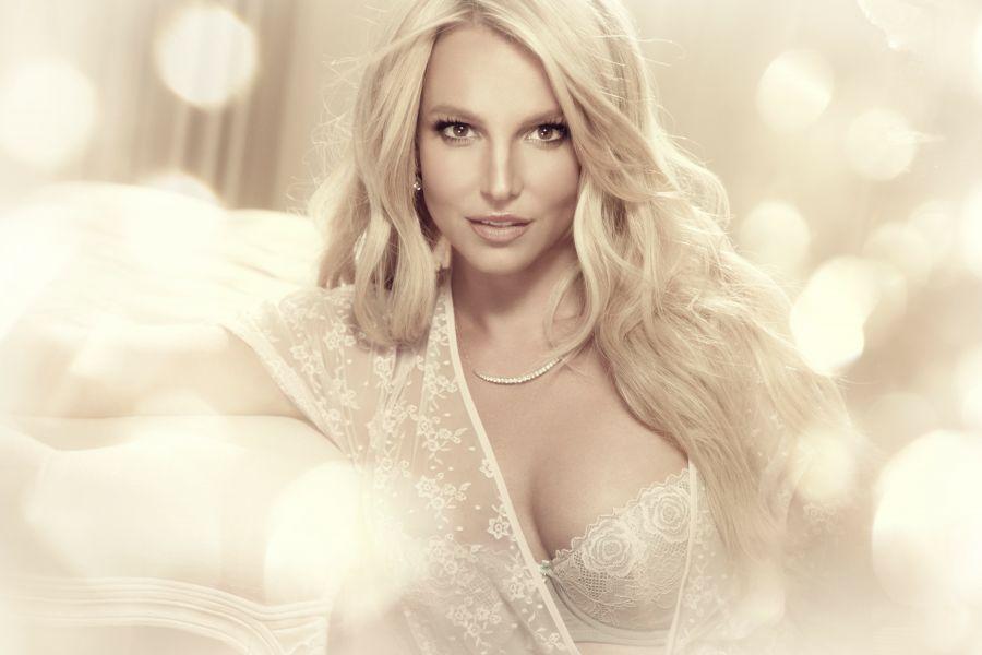 Pin em Britney Spears Photoshoot 2006 - 1010