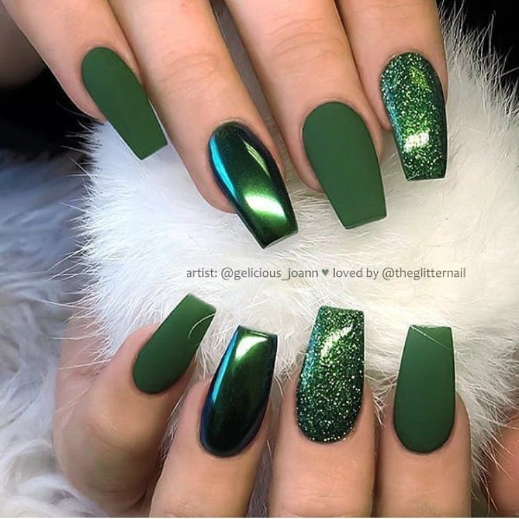 100 Easy Acrylic Winter Nails And Color Ideas 2019 Winternailsacrylic In 2020 Short Coffin Nails Designs Green Nail Designs Green Nails