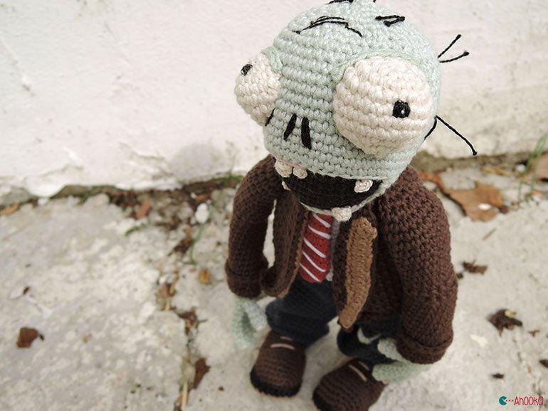 Halloween Amigurumi Crochet Pattern : So funny! aradiyatoys zombie by ahooka. plants vs zombies. crochet