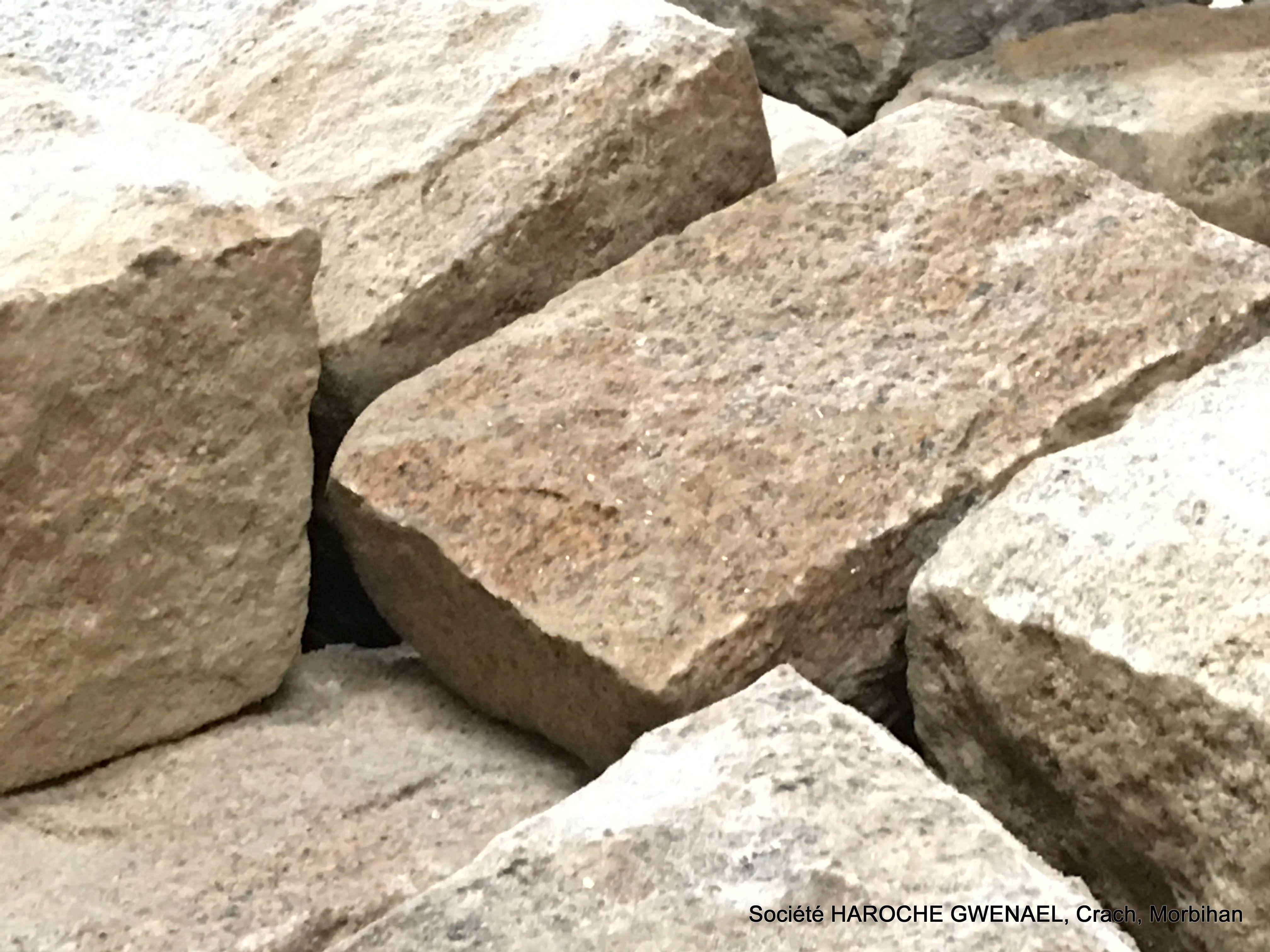 Pierre De Parement En Granit pierre naturelle de granit d'elven. taillée par nos