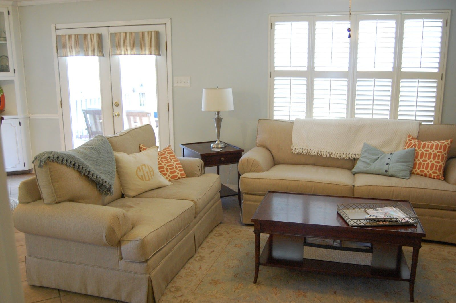 Best Behr Weathered White In Living Rooms Living The Gill 400 x 300
