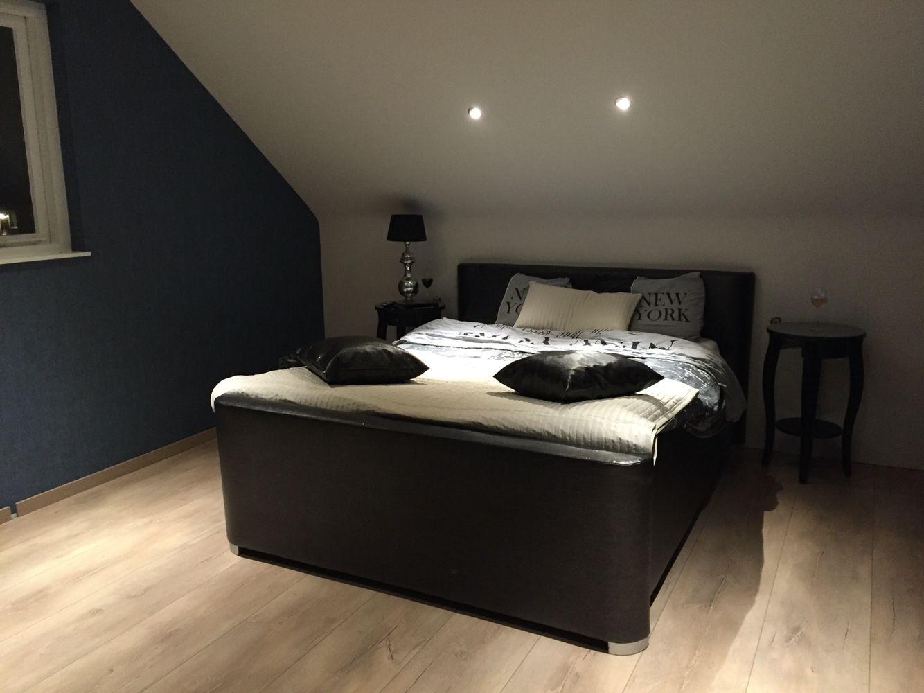 Slaapkamer schuin dak | slaapkamer | Pinterest | Bedrooms, Master ...