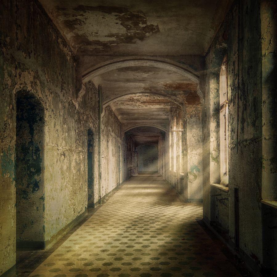 "(via 500px / Photo ""hallway Of Dreams"" By Markus Studtmann"