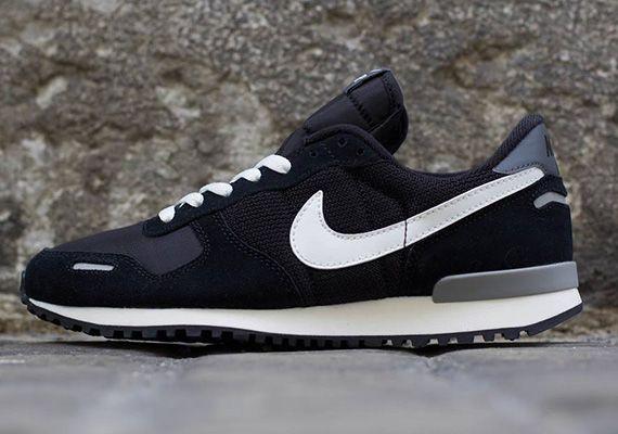 Posicionamiento en buscadores once cartel  Nike Air Vortex Retro - Black - Summit White - Grey - SneakerNews.com |  Sneakers men fashion, Mens fashion shoes, Nike