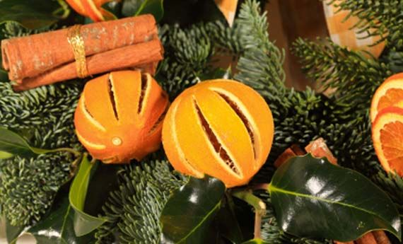 Arance Decorazioni Natalizie.Decorazioni Natalizie Fai Da Te Con Arance Secche E Cannella La Seconda Casa Non Si Scorda Mai Decorazioni Natalizie Fai Da Te Decorazioni Natalizie Natale