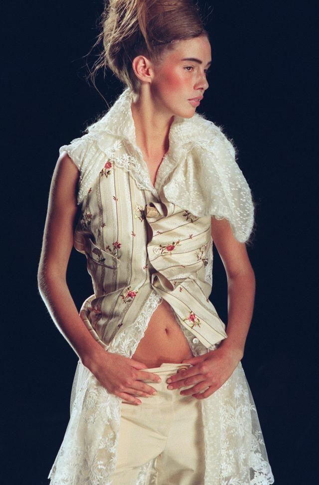 @ChristianDiorHauteCouture @JohnGalliano #2000 #couture #ss2000
