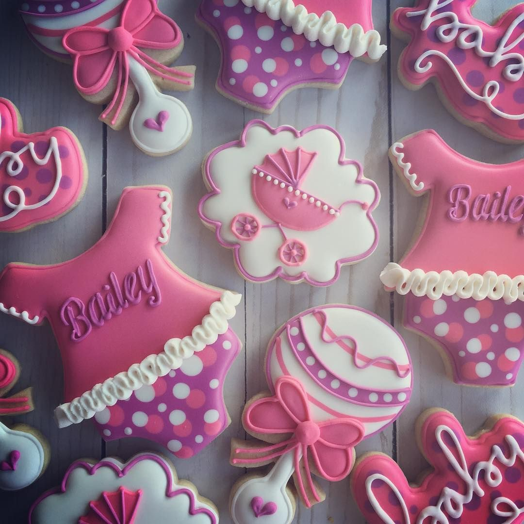 "313 Likes, 20 Comments - Cadie Grayson (@cadiescookies) on Instagram: ""Baby shower set for baby Bailey! *All cutters by @kaleidacuts #cadiescookies #royalicing…"""